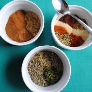 Mix up your own custom homemade spice blends. You'll have save money, and they'll be healthier and tailored to your tastes! | foxeslovelemons.com