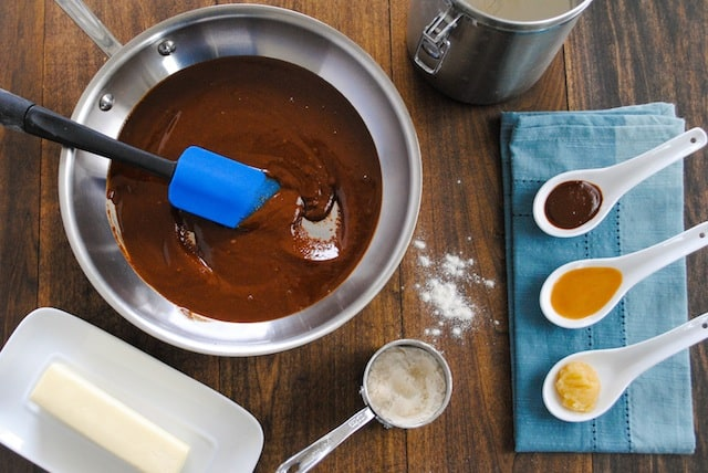 Culinary School Lesson: Roux The Day - What roux is, how to make it, and when to use it. | foxeslovelemons.com