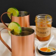 Peachy Keen Moscow Mules - Classic ginger beer and vodka Moscow Mules spiked with a bit of peach flavor! | foxeslovelemons.com